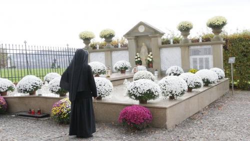Modlitwa za zmarłych, Sanktuarium Bożego Miłosierdzia, Kraków-Łagiewniki, listopad 2020