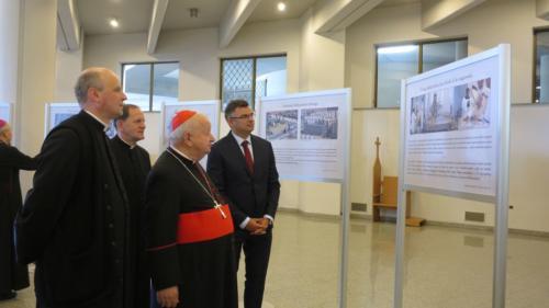 """Otwarcie wystawy """"Jan Paweł II – papież Miłosierdzia"""", Kraków-Łagiewniki, 7 czerwca 2020"""