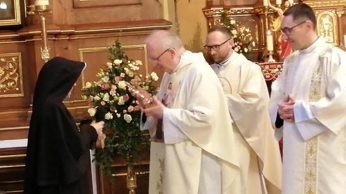 Przekazanie relikwii św. Faustyny i wprowadzenie do parafii Bożego Grobu w Miechowie, 30 kwietnia